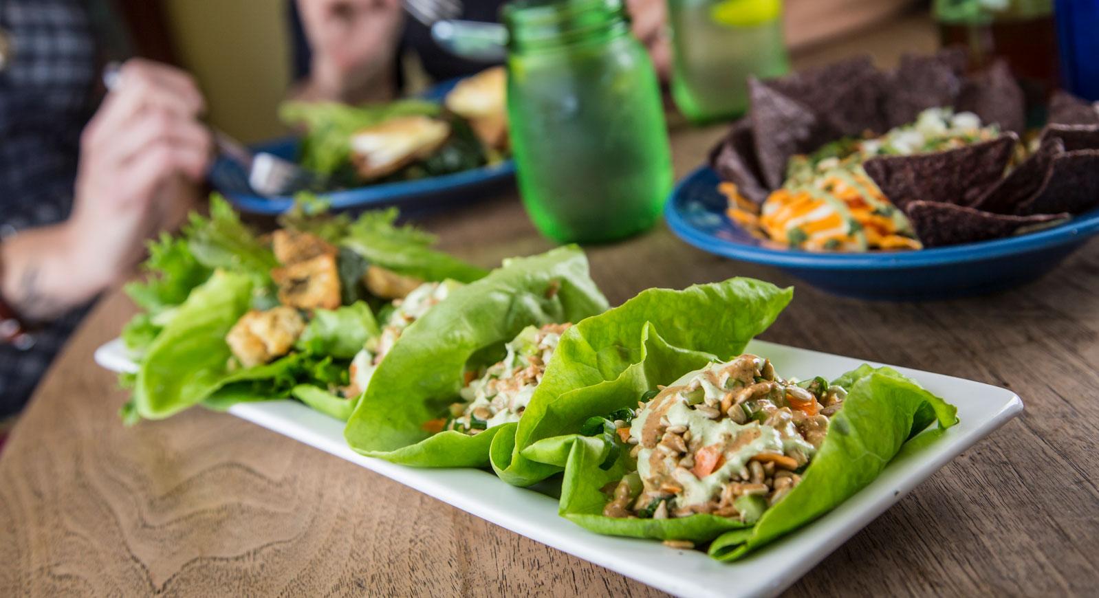 Fayetteville-food-sceen-lettuce-wraps