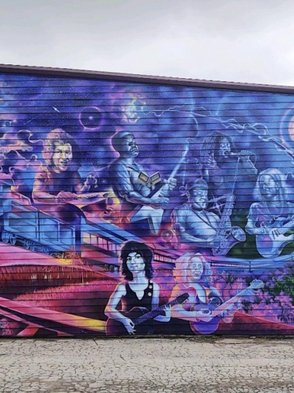 New Mural at George's Majestic Lounge